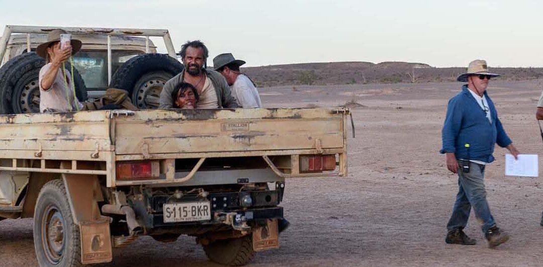 Barfuß durch Australien (Barefoot Through Australia)